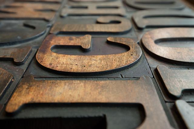 Web fonts: Houten drukletters