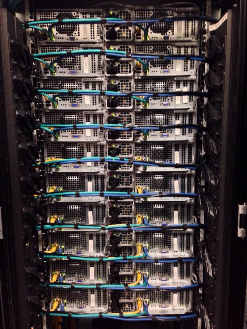 Antagonist verkozen tot beste hostingprovider: de bekabeling van servers bij Antagonist