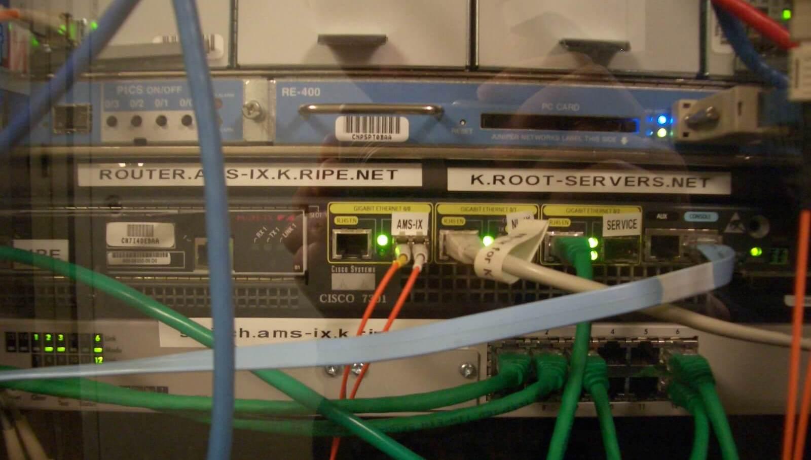 Een root-server in Amsterdam.